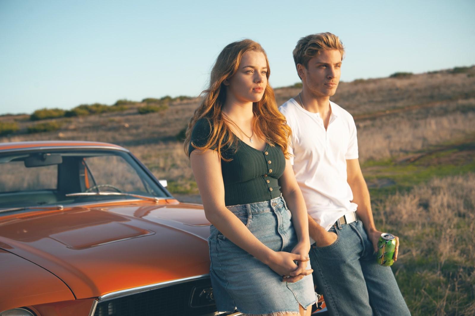 Jessica (Luna Wedler) und Danny (Jannik Schümann) auf ihrer Reise in den USA
